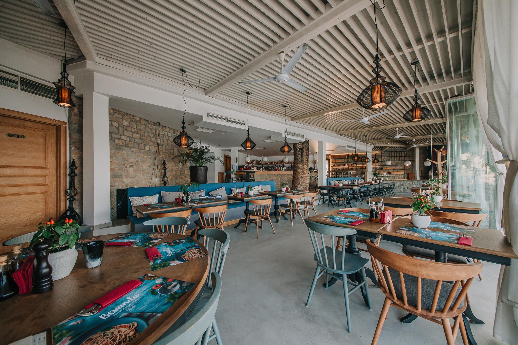 Unutrašnji ambijent restorana Bevanda Tivat